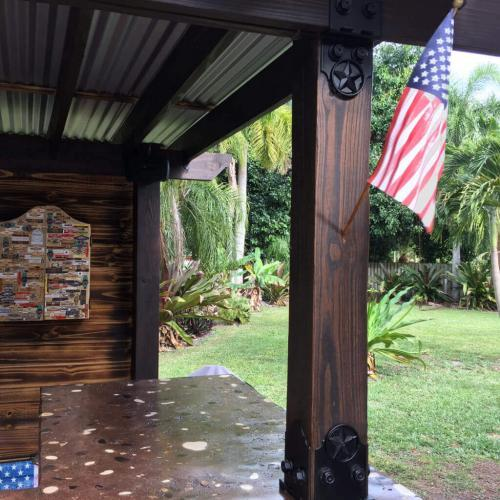 Pine Wooden House Flag Pole 56 In photo review